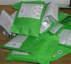Vi använder Postens gröna påsar för 1.a klass brevdistribution