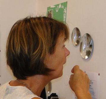 UAS innovationskoordinator Annilla Edeholm upptäcker nya saker...
